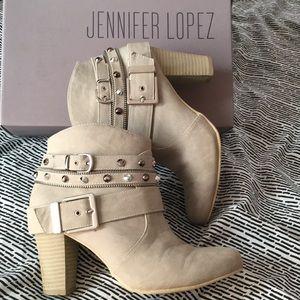Jennifer Lopez heel boots